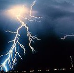 q:http://upload.wikimedia.org/wikipedia/commons/thumb/7/7d/Lightning_NOAA.jpg/220px-Lightning_NOAA.jpg
